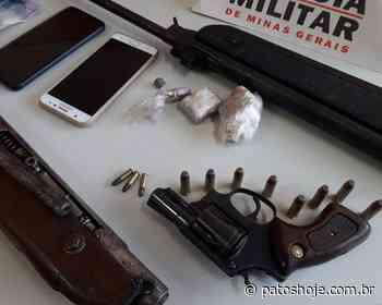 Polícia Militar encontra armas e droga em Coromandel e prende dois acusados - Patos Hoje - Notícias de Patos de Minas