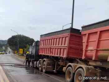 Caminhão carregado com brita pega fogo na BR 040 em Paracatu MG - Notícias - paracatu.net