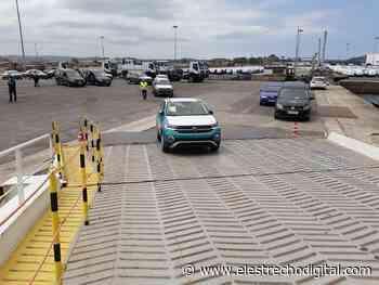 El Puerto de Santander acoge el embarque del coche 9 millones fabricado en Volkswagen Navarra - El Estrecho Digital