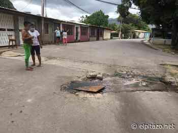 Sucre   Vecina en Carúpano: por nuestras calles corren aguas putrefactas con gusanos - El Pitazo
