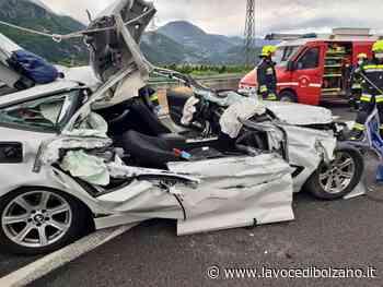 Auto tampona un camion sulla MeBo a Terlano: due feriti - La Voce di Bolzano