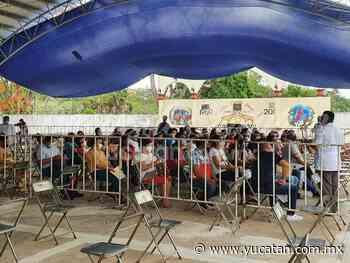 Cientos de maestros son vacunados contra el coronavirus en Ticul - El Diario de Yucatán