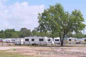 Le Barp: plusieurs dizaines de caravanes envahissent la plaine des sports bloquant l'accès à certaines infrast - France 3 Régions