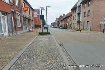 Heraanleg parkeervakken veroorzaakt hinder in centrum (Pittem) - Het Nieuwsblad