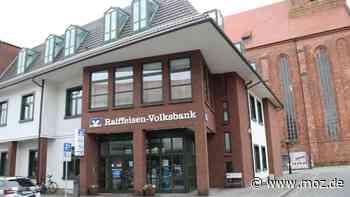 Wende: Raiffeisen-Neubau war Startschuss für die Stadtsanierung in Beeskow - moz.de