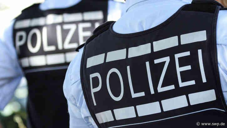 Polizei-Einsatz in Laichingen: Mann läuft mit Axt durch das Rathaus und die Stadtmitte - SWP