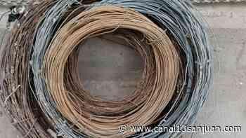 Los 'saca alambres', atados al calabozo: les encontraron más rollos robados - Diario 13 San Juan