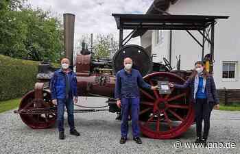 Historische Dampfwalze in Gang gebracht - Asbach - Passauer Neue Presse