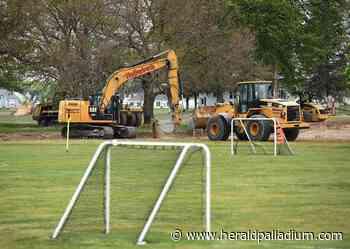 Parking concerns rise over Lakeshore soccer fields | Stevensville | heraldpalladium.com - Herald Palladium