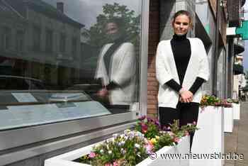 Begrafenisonderneemster fleurt zaak op na zware coronaperiod... (Wilrijk) - Het Nieuwsblad