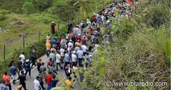 """""""Reciben el tapabocas, circulan y se lo quitan"""": preocupantes manifestaciones en Anorí, Antioquia - Blu Radio"""