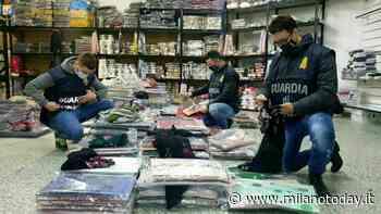 Maglie e camicie in finta seta spacciate per Made in Italy: sequestri a Milano e nel centro commerciale di Agrate - MilanoToday.it