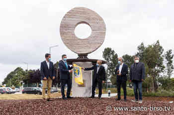 Casfil doa escultura ao Município - Santo Tirso TV - Santo Tirso TV