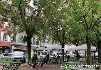 Sallanches : réouverture pluvieuse mais heureuse pour les terrasses des bars et restaurants - Radio Mont Blanc