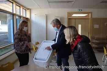 """Covid-19 : à Sallanches, la ville installe des purificateurs d'air dans les cantines pour """"protéger les enfant - France 3 Régions"""