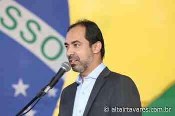 Senador Canedo dará auxílio de R$ 180 para profissionais de educação - Altair Tavares