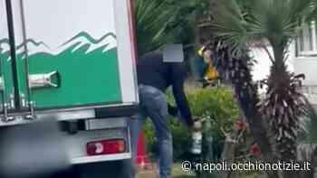 Giugliano in Campania, acqua nelle bottiglie di latte semivuote: la segnalazione di Borrelli - L'Occhio di Napoli