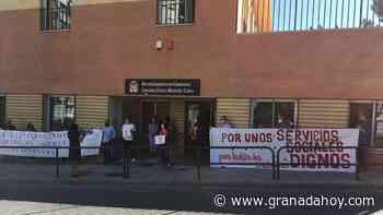Nueva protesta del personal de Servicios Sociales en Granada - Granada Hoy