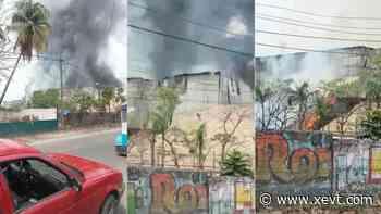Se incendia bodega del Ingenio Santa Rosalía; reporta PC solo pérdidas materiales - XeVT 104.1 FM | Telereportaje