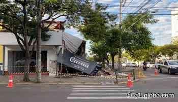 Parte de loja de roupas desaba em Uruguaiana; ninguém ficou ferido - G1