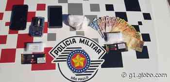 Homens são detidos com cocaína e dinheiro dentro de carro em Itapeva - G1