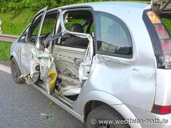 Auto kracht in Leitplanke - Westfalen-Blatt