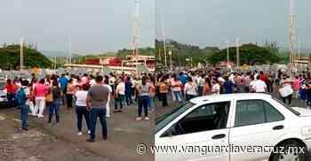 Explotan por vacunas, en Cerro Azul - Vanguardia de Veracruz