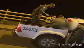 Policía en Aranzazu evita suicidio de un joven de 21 años - Caracol Radio