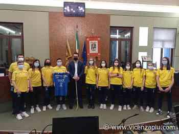 """Hockey Club Valdagno femminile in visita in Provincia. Il presidente Francesco Rucco: """"Siamo fieri di voi"""" per la conquista della Coppa Italia - Vicenza Più"""