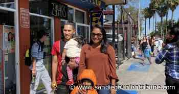 Mujeres migrantes que dieron clases en El Chaparral ingresan a Estados Unidos - San Diego Union-Tribune en Español