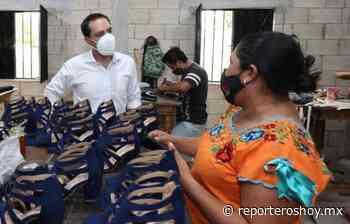 De gira por Ticul, sorprende el gobernador a pequeña empresaria zapatera - Reporteros Hoy