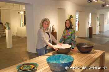Kunstenaressen stellen tentoon in voormalige winkelruimte