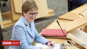 Nicola Sturgeon re-elected as Scotland's first minister - BBC News