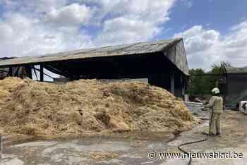Onderzoek naar mogelijk vrijgekomen asbest na nachtelijke boerderijbrand