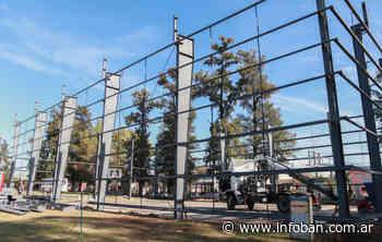 Avanza la construcción del tinglado para el playón deportivo de Paso del Rey - InfoBan