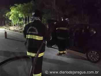 Bombeiros controlam princípio de incêndio em veículo em Schroeder - Diário da Jaraguá