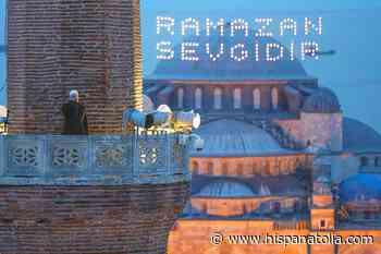 Primera llamada a la oración en Santa Sofía para el iftar en Ramadán - Hispanatolia - Hispanatolia