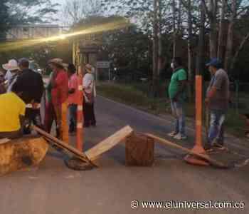 Minga indígena y otros sectores se concentran en vía Coveñas- Lorica - El Universal - Colombia