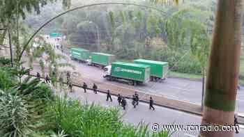 Después de 18 días desbloquean la vía La Romelia en Dosquebradas, Risaralda - RCN Radio