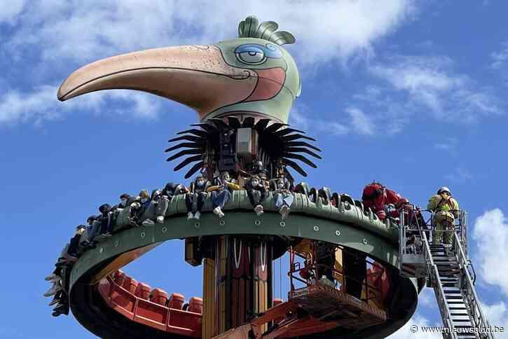 """Tieners drie uur vast in attractie bij felle wind en buien: """"Een 50-dagenviering om nooit te vergeten"""""""
