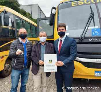 Flores da Cunha recebe novo ônibus escolar | Grupo Solaris - radiosolaris.com.br