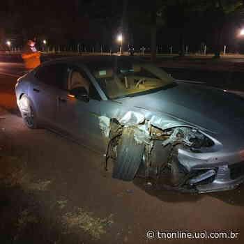 Condutor abandona Porsche após colisão na BR-376 em Marialva - TNOnline - TNOnline