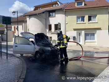 Gex : un véhicule s'embrase - lepaysgessien.fr