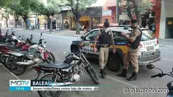 Homem é baleado no Centro de Governador Valadares e morre no hospital; dois foram presos - G1