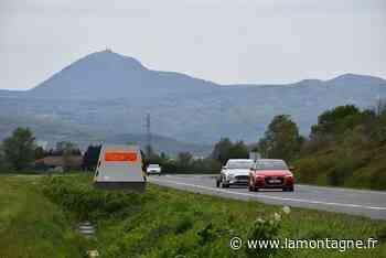 Récemment installé sur la D 210 entre Chappes et Saint-Beauzire (Puy-de-Dôme), le radar de chantier est dégradé - La Montagne