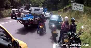 Por protesta está cerrada la vía entre Piedecuesta, San Gil y Bucaramanga en Santander - Blu Radio