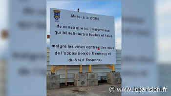 «Un manque de décence» : à Mennecy, l'opposition s'étrangle après les attaques du maire sur un panneau - Le Parisien
