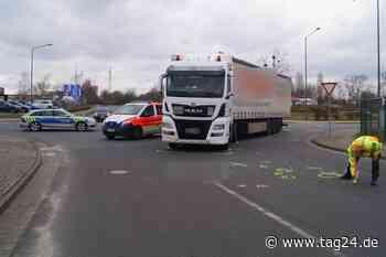 Fahrrad gegen Lkw: Radler stirbt bei Unfall in Bitterfeld-Wolfen - TAG24