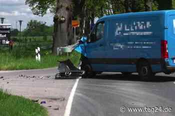Unfall in Gransee: Motorradfahrer (64) stirbt bei Frontalcrash mit Kleintransporter - TAG24