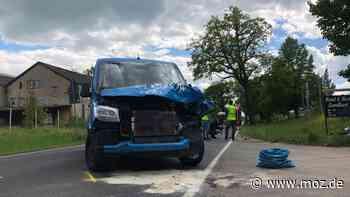 Tragischer Unfall: Motorradfahrer verunglückt tödlich auf B96 in Gransee - moz.de
